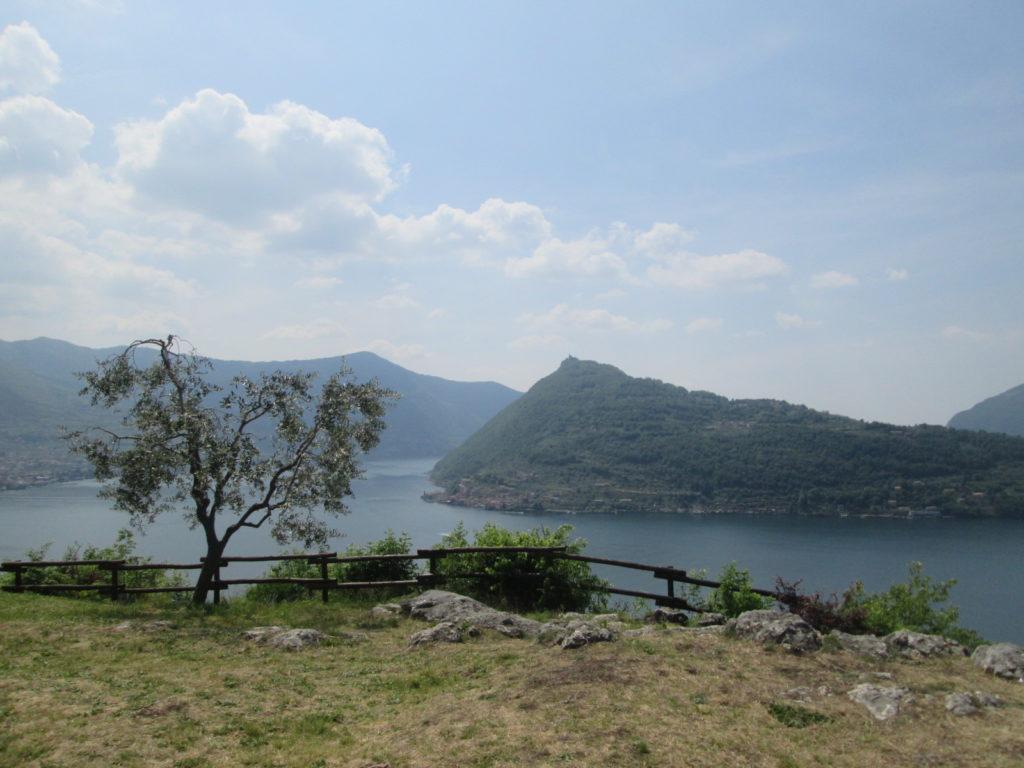 Vista di Montisola da Pregasso. tappa 1 della Via Valeriana