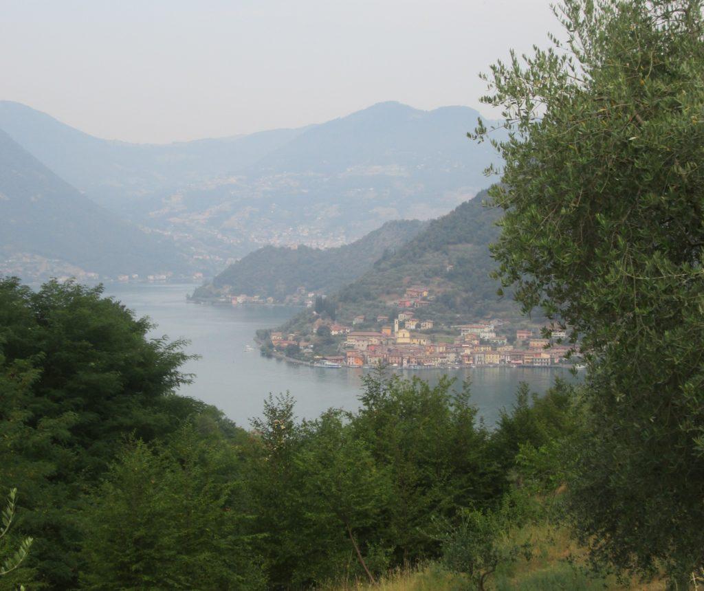Vista sul lago, tappa 1 della Via Valeriana